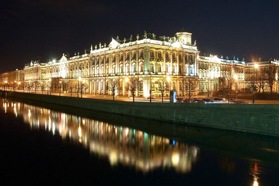 Картинки по запросу подсветка зданий фото